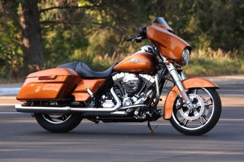 Harley_Davidson_Street_Glide